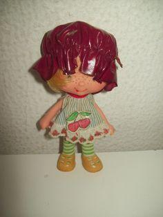 Boneca Moranguinho (cerejinha) Estrela Anos 80 - R$ 70,00 no MercadoLivre