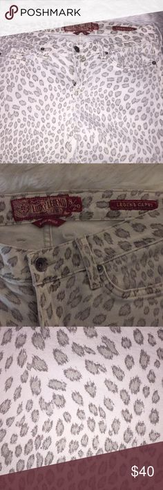 Lucky Brand Leopard Print Jeans White Leopard Jeans. Pictures show the color up against my white comforter. The leopard print is a grey color. Skinny cropped. Lucky Brand Jeans Ankle & Cropped