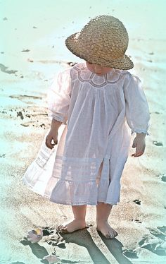 """creativemuggle: """" antique baby dress … ca. Cool Baby, Baby Kind, Beautiful Children, Beautiful Babies, Kind Photo, Kids Mode, Moda Vintage, Heirloom Sewing, Little Princess"""