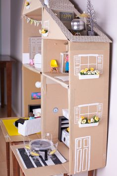 Discover easy and unique ideas for home, decor, beauty, food, kids etc. Try the best inspiration from a list of ideas which suits your requirement. Diy Cardboard Furniture, Diy Barbie Furniture, Cardboard Crafts, Dollhouse Furniture, Furniture Sets, Miniature Furniture, Cardboard Dollhouse, Diy Dollhouse, Homemade Dollhouse