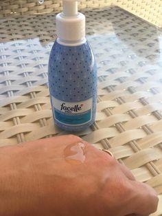 To nie była pomyłka, gdy pewnego dnia zamiast po szampon, sięgnęłam po płyn Facelle z Rossmanna. Efekt mnie zaskoczył! Diy Spa, Cleaning Supplies, Life Hacks, Hair Beauty, Health, Blog, Wax, Health Care, Cleaning Agent