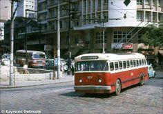 1963 - Trólebus na avenida Brigadeiro Luiz Antonio com rua Maria Paula.