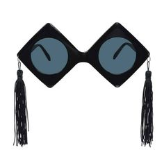 The future looks bright, so hand your grad a pair of Giant Graduation Cap Sunglasses. These oversized graduation sunglasses are shaped like 2 mortarboards, a perfect photo booth prop. Cat Eye Sunglasses, Mirrored Sunglasses, Style Deco, Photo Booth Props, Perfect Photo, Grad Hat, Graduation Party Favors, Grown Up Parties, Grad Cap
