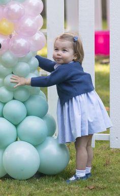 Kate Middleton et le prince William ont retrouvé leur fils George et leur fille Charlotte lors d'une fête dans le parc de la Government House à Victor...