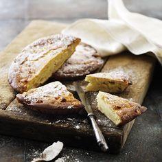 Äpplekaka med ricotta. En härlig italiensk äppelkaka med ricotta. Kakan kan serveras som fika, eller som dessert med vaniljsås. Läs hela receptet här!