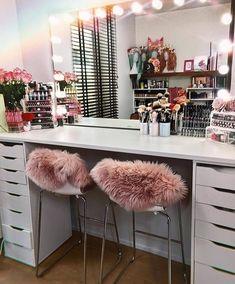 Interior Design Career - Should You Go For Design Firms Or Self Employment? Beauty Room Decor, Makeup Room Decor, Makeup Rooms, Ikea Makeup, Vanity Room, Vanity Decor, Vanity Ideas, Sala Glam, Room Ideas Bedroom