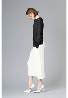 LE CIEL BLEU Rayon pullover and cropped baggy pants