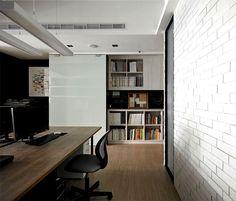 Berikut ini terdapat beberapa contoh untuk desain interior kantor modern yang minimalis, pada tautan yang terlampir. Semoga menginspirasi Anda, untuk menciptakan ruang kantor yang nyaman. #interiordesign #interiorkantor
