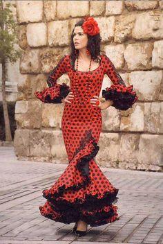 Spanish style – Mediterranean Home Decor Flamenco Costume, Flamenco Dancers, Historical Costume, Historical Clothing, Merry Widow, Spanish Dancer, Spanish Style, Colorful Fashion, Traditional Dresses