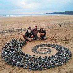Ephemeral Art, Rock Sculpture, Stone Sculptures, Expressive Art, Garden Stones, Environmental Art, Beach Art, Stone Art, Stone Painting