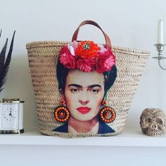 Frida Kahlo straw bag, French market basket, Viva la Frida beach basket, Handcrafted straw bag : Custom order done and dusted! off to find a box large enough to ship. Not my favourite part. Diy Fashion, Fashion Bags, Pochette Diy, Beach Basket, Frida Art, Diy Sac, Market Baskets, Creation Couture, Basket Bag