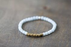 Beaded Aquamarine Stretch Bracelet with Brass Accents, Aquamarine Stacking Bracelet, Aquamarine Brass Jewelry, Elastic Gemstone Bracelet
