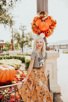 Disney Halloween, Halloween Outfits, Disney World Outfits, Disneyland Outfits, Cute Disney Outfits, Disneyland Trip, Disney Fashion, Disney Poses, Disney Bachelorette Parties