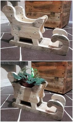 Wonderful Creations with Shipping Wood Pallets Did you find this pallet unique creation as mind-blowing to add upon? Here the creation is completel Christmas Wood Crafts, Christmas Yard, Christmas Projects, Holiday Crafts, Christmas Decorations, Xmas, Farm Crafts, Wooden Crafts, Diy And Crafts
