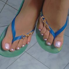 Because we love feet. Just the beauty of women's feet. Pretty Toe Nails, Pretty Toes, Long Toenails, Pink Toes, Stylish Dpz, Foot Pictures, Beautiful Toes, Cute Toes, Sexy Toes