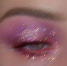 Aesthetic Makeup Looks Purple - Aesthetic Boujee Aesthetic, Bad Girl Aesthetic, Aesthetic Collage, Purple Aesthetic, Aesthetic Makeup, Aesthetic Vintage, Aesthetic Photo, Aesthetic Pictures, Photographie Glamour Vintage