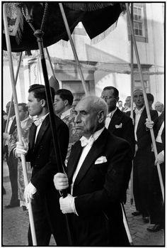 © Henri Cartier-Bresson/Magnum Photos PORTUGAL. Douro region. Viana do Castelo. 1955.