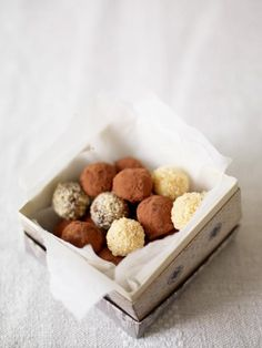 These truffles make great gifts – just wrap them in little sweet tins or boxes tied with ribbon. The surprise comes from adding a tiny pinch of chilli to the last bit of mix. You'll end up with a few spicy truffles hidden away amongst the rest! A spicy lucky dip.