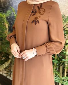 TunikYou can find Islamic clothing and more on our website. Iranian Women Fashion, Islamic Fashion, Muslim Fashion, Abaya Fashion, Fashion Dresses, Sleeves Designs For Dresses, Dress Designs, Hijab Fashion Inspiration, Islamic Clothing