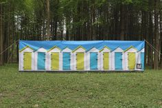 Funky beach hut design four pole windbreak. The wind break is compact and lightweight and comes complete with carry bag, guy lines and pegs for extra stbility.The four steel poles each come in three sections that snap together making it the perfect compact windbreak to take camping or to the beach.We have many designs available please contact us for more details.