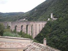 Középkori híd, és nem római  A folyót már elvezették, nehogy kimossa a híd alapját Marvel, Italy, Italia