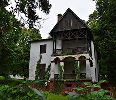 /Fonyód-Bélatelep sétányán..Huszka Jenő háza a villasoron..Hungary