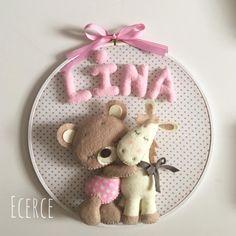 Lina'nın kapı süsü #keçe #felt #feltro #fieltro #kapısüsü #keçekapısüsü #pano #bebekpanosu #ecerce #tasarım #babyroom #babyroomdecor #elyapımı #handmade #hediye #babyshower #bebekodası #doğumhediyelikleri #baby #bear #feltbear #horse #felthorse #pony #babygirl