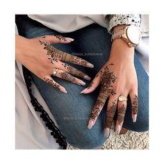 Henna Hand Designs, Mehndi Designs Finger, Mehndi Designs For Fingers, Unique Mehndi Designs, Beautiful Henna Designs, Henna Tattoo Designs, Henna Tattoo Hand, Hand Tattoos, Mandala Tattoo