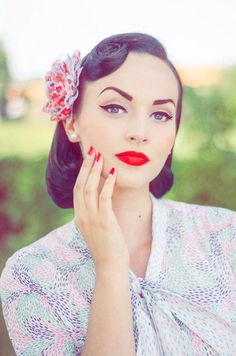 Pin-Up Makeup. Looks, tips and tutorials. Can't remember if I pinned this already!