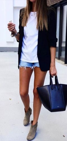 Awesome 50 Top Spring And Summer Outfits Women Ideas. Awesome 50 Top Spring And Summer Outfits Women Ideas. tina jones […] outfit for pictures Mode Outfits, Short Outfits, Spring Outfits, Casual Outfits, Fashion Outfits, Shorts Outfits Women, Fashion Vest, White Outfits, Modest Fashion