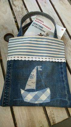Porta libro/ riciclo jeans