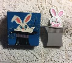 Avon-Vintage-Fragrance-Pin-Pal-Glace-Perfume-Magic-Rabbit-AV-20