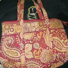 Vera Bradley purse***DONATING WEEKEND*** CUTE.         Pink and white floral Vera Bradley Bags Shoulder Bags