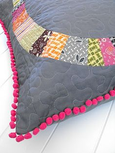 Fussy Cut: tutorial -how to add pom pom trim to a cushion cover. Wish I'd read this before attempting!