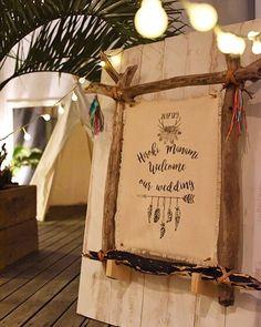 ナチュラル&アンティーク♡大人っぽい雰囲気のウェルカムボード特集   marry[マリー] Garden Wedding, Diy Wedding, Wedding Reception, Wedding Flowers, Wedding Welcome Board, Welcome Boards, Wedding Table Settings, Signage, Decoration