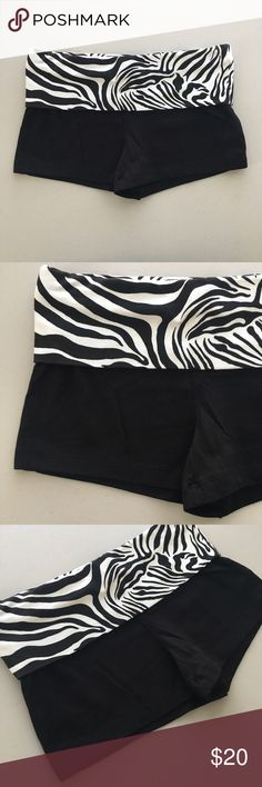 """ZEBRA STRIPE SOFT STRETCH ATHLETIC BOOTY SHORTS !! Sexy Hot Cute Black & White Zebra Stripe Stripes Striped Wild Animal Print Waistband & Black Athletic Gym Fitness Workout Yoga Running Everyday Etc Soft Thin Stretch Stretchy Knit Booty Shorts 