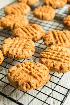 Peanut Butter Biscuits, Peanut Butter Snacks, Sweet Recipes, Snack Recipes, Dessert Recipes, Cooking Recipes, Dinner Recipes, Easy Meals For Kids, Easy Snacks