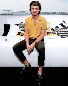 Natalia Dyer and Joe Keery on the at San Diego Comic-Con 2017 at The IMDb Yacht on July 2017 in San Diego, California. Stranger Things Quote, Stranger Things Steve, Joe Kerry, Beautiful Men, Beautiful People, Steve Harrington, Good Looking Men, New Fashion, How To Look Better