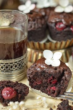 muffinki czekoladowe z wiśniami Polish Recipes, Wedding Cakes, Easy Meals, Food And Drink, Sweets, Snacks, Dining, Cooking, Breakfast
