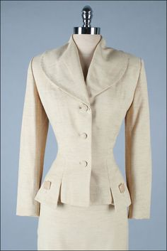 1940 | Oatmeal Wool Blend Suit with Lucite Buttons filled with Straw and Large Lapel Collar by Lilli Ann