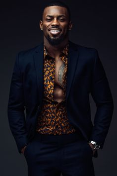 Bearded Model Marshun Cooper Is Steaming Hot Chocolate For Your Chilly Day Fine Black Men, Gorgeous Black Men, Handsome Black Men, Fine Men, Beautiful Men, Black Man, Black Men In Suits, Costume Africain, African Men Fashion