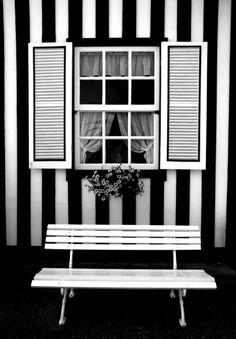 B striped window