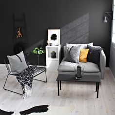 A little nook to sit down, enjoy a cup of coffee and let the creative ideas roll in | People of Tomorrow | www.peopleoftomorrow.no | #poster #artprint #interiorposter #interior #scandinavianinterior #nordicinterior #nordic #interiør #interiørplakat #interiørplakater #scandinavianlivingroom #livingroom