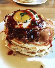 Pancakes with bbq pulled pork and fried egg from @jnicholskitchen. Photo by @sarahnbak #imhungryla