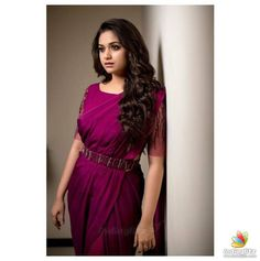 Keerthy Suresh Shows How To Wear Any Ethnic Outfit With Grace! - Sahrukh Alvi - Keerthy Suresh Shows How To Wear Any Ethnic Outfit With Grace! Keerthy Suresh Shows How To Wear Any Ethnic Outfit With Grace! Indian Actress Photos, South Indian Actress, Beautiful Indian Actress, Beautiful Actresses, South Actress, Ethnic Outfits, Indian Outfits, Saree Poses, Bridal Silk Saree