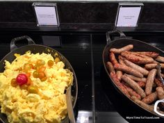 Scrambled eggs with heirlom tomatoes and chicken-apple sausages at Centurion Lounge at SFO