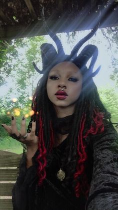 "darkkuroshitsuji: ""I'd just like to let you know that i'm a friendly demon…🖤👹 ig Alternative Makeup, Alternative Outfits, Alternative Girls, Alternative Fashion, Afro Punk, Punk Goth, Gothic Aesthetic, Black Girl Aesthetic, Dark Beauty"