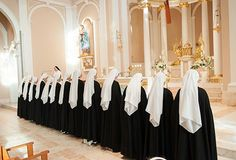 Reception of the habit. Dominican Sisters of St. (Some Sisters from this order came to my school for adoration and a talk on vocations. Absolutely love that habit! Catholic Saints, Roman Catholic, Nuns Habits, Religion, Bride Of Christ, Catholic Quotes, Women Of Faith, Blessed Mother, Kirchen
