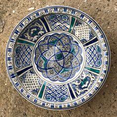 6 Best Hip Exercises for Women Health : Sport for Women in 2020 - Frau Ceramic Plates, Ceramic Art, Traditional Tile, Turkish Tiles, Blue Tiles, Hip Workout, Pottery Art, Beach Mat, Ottoman