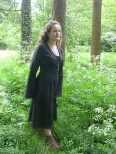 Black linen pagan Avalon gown with waist band / belt. Size 10. Robe  dress druid  historical priestess woodland - fairy - witch - gothic.
